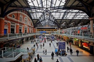 Gatwick Transfer to Liverpool Street Station