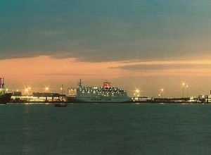 transfer gatwick harwich port